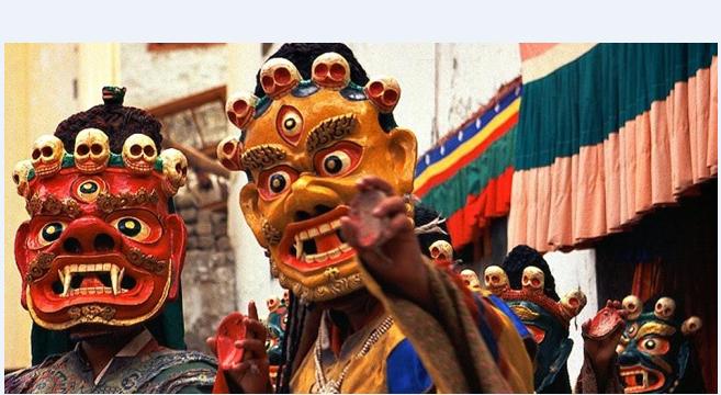 Khám phá lễ hội mặt nạ rực rỡ sắc màu chỉ có ở Nam Phi